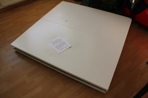 Vier Tischplatten als Grundplatten